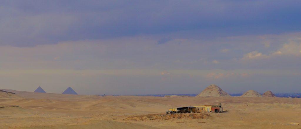 Pirámides de Giza y Abusir desde Saqqara