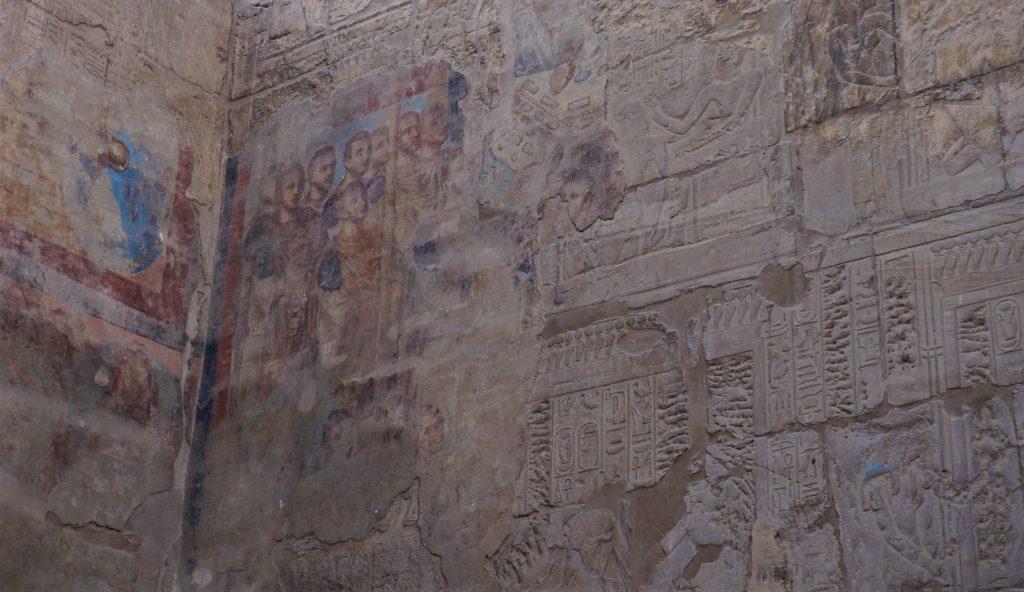 Imágenes bíblicas en templo egipcio de Luxor