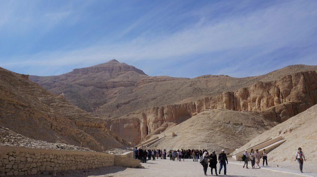 El exterior del Valle de los Reyes