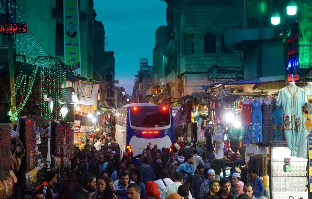 Autobús por el Bazar Khalili